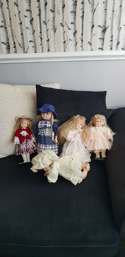 Collectable china dolls