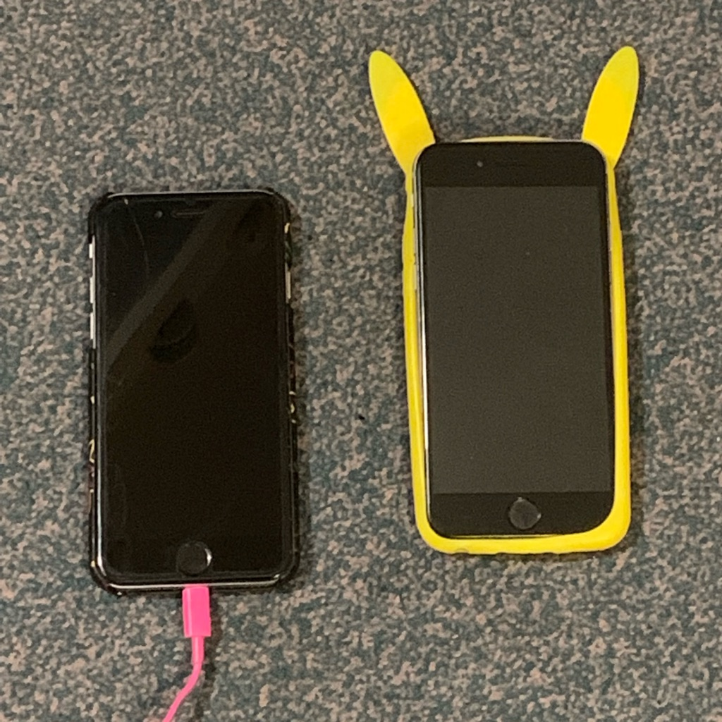 Two iPhone 6s 128 GB for parts