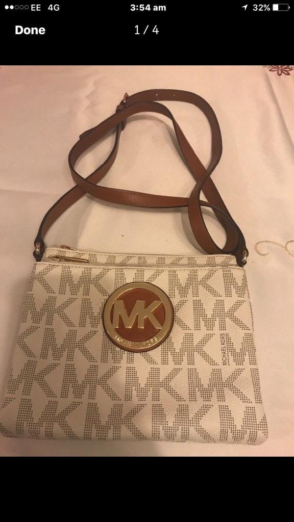 Original Michael Kors over the shoulder bag for Woman