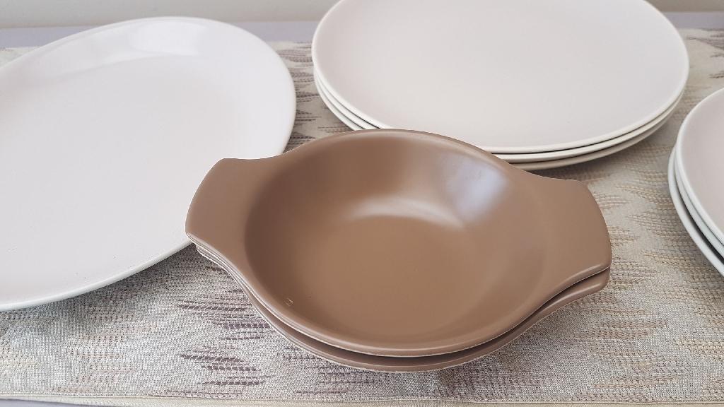 Poole pottery dinner set