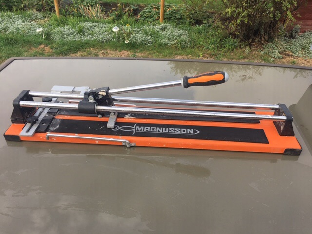 Magnusson tile cutter