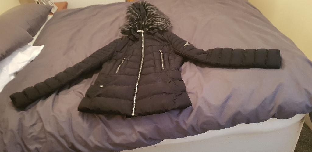 Women's black hand coat medium size