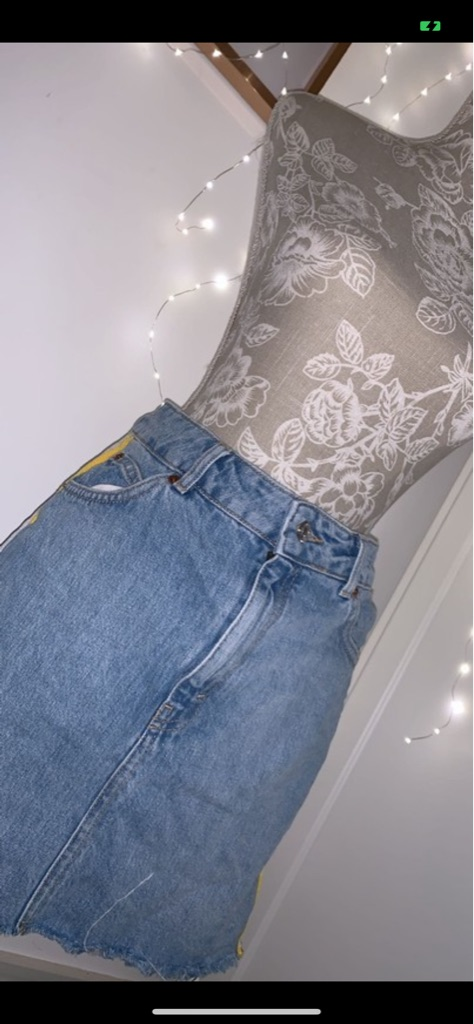 Mid wash Denim skirt