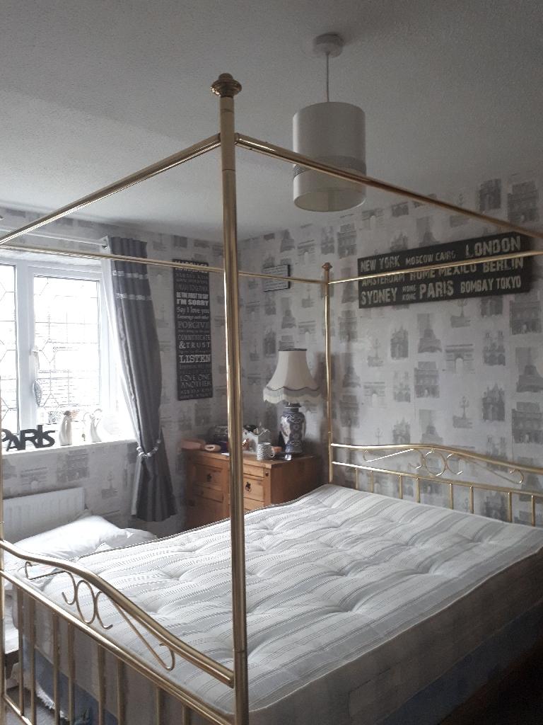 Beautiful Brass Effect Vintage 4 Poster Bed Village