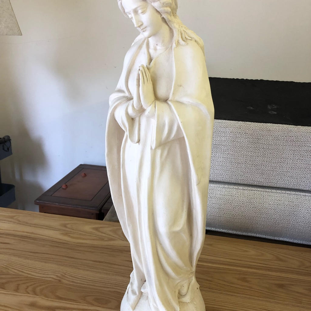 Beautiful Mother Mary statue