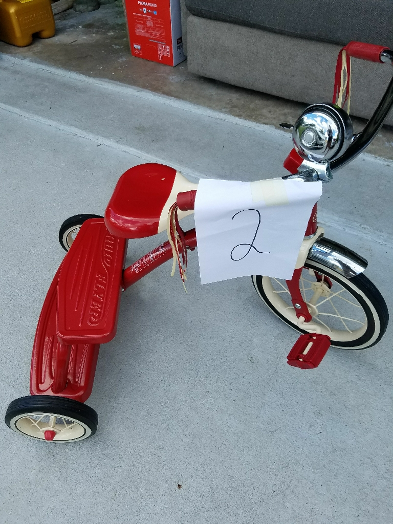 Classic red dual deck tricycle ( 1 ) negotiable