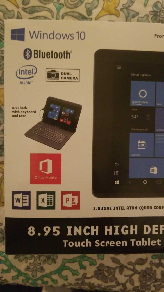 NEW IN BOX high-definition Windows 10 touchscreen tablet with keyboard and case