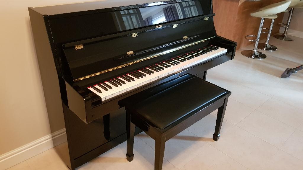Bentley 108 upright piano