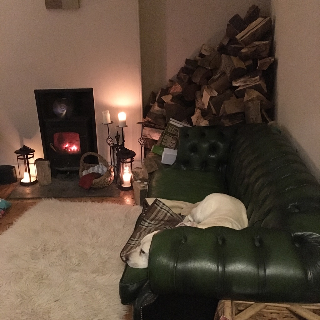 Chesterfield dark green sofa