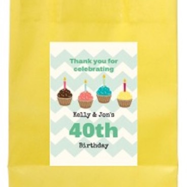 Personalised cupcake party bag with handle