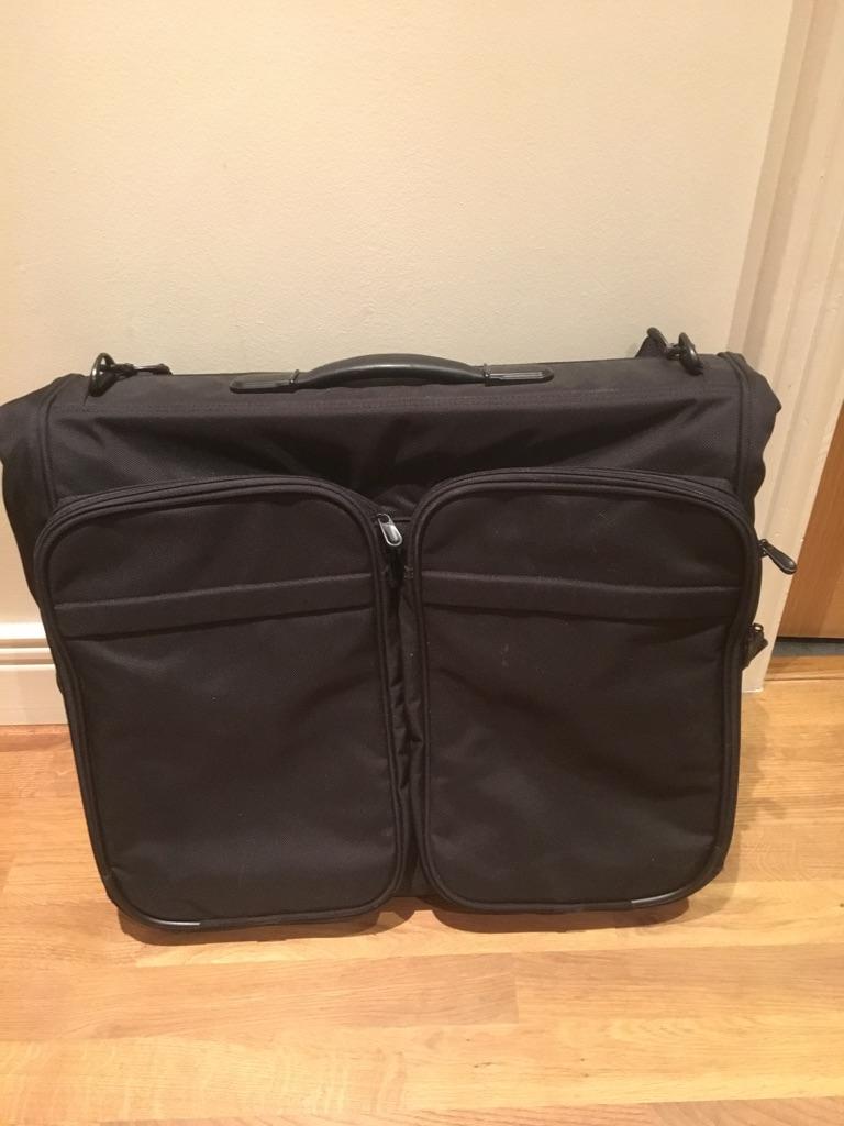 Excellent condition Briggs & Riley Deluxe Garment Bag
