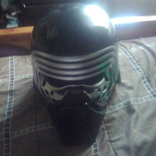 Kylo ren deluxe 2 pice helmet
