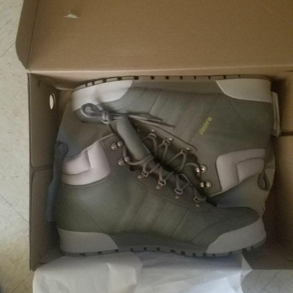 Adida Sneakers