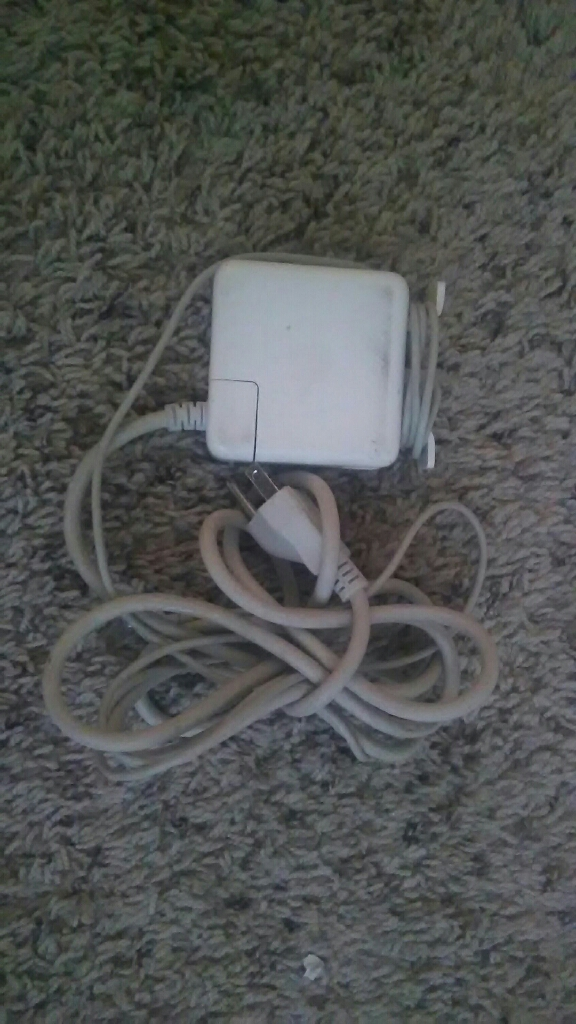 APPLE MACBOOK 85W CHARGER MAGSAFE 1