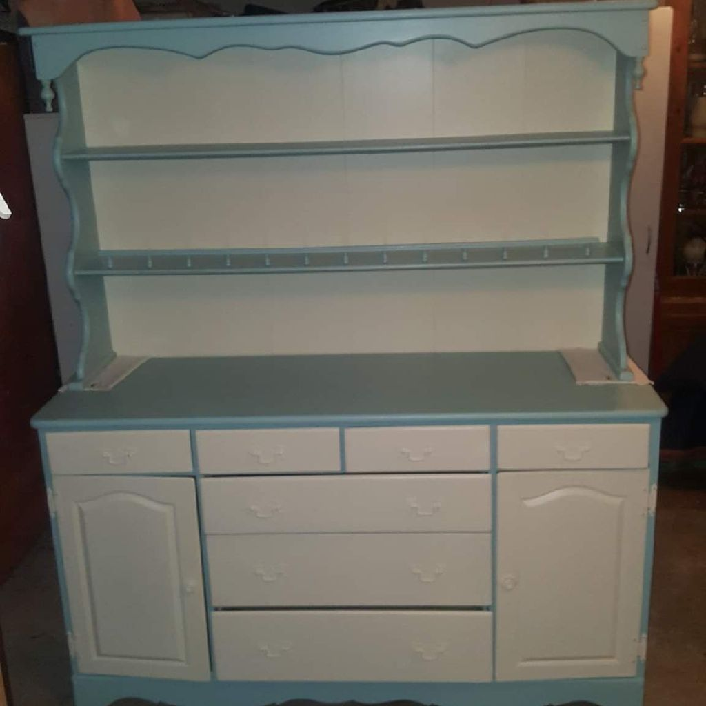 WHITE & ASPIRING BLUE CHINA HUTCH
