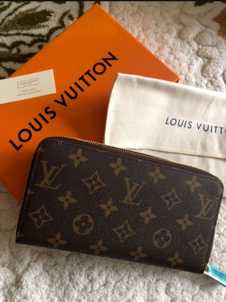 Louis Vuitton Zipper Wallet