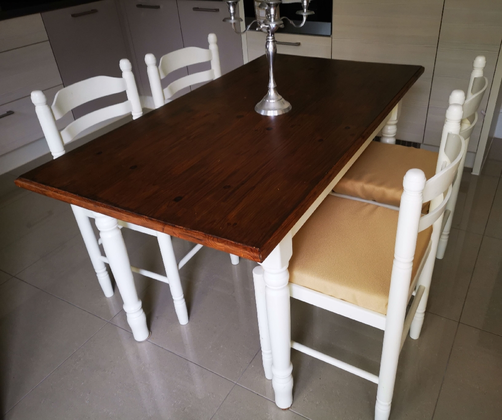 Shabby shic, farm house pine table with chairs