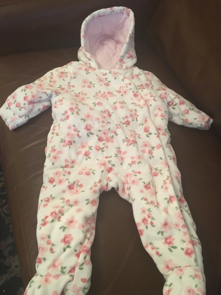 Snow suit age 6-9 months