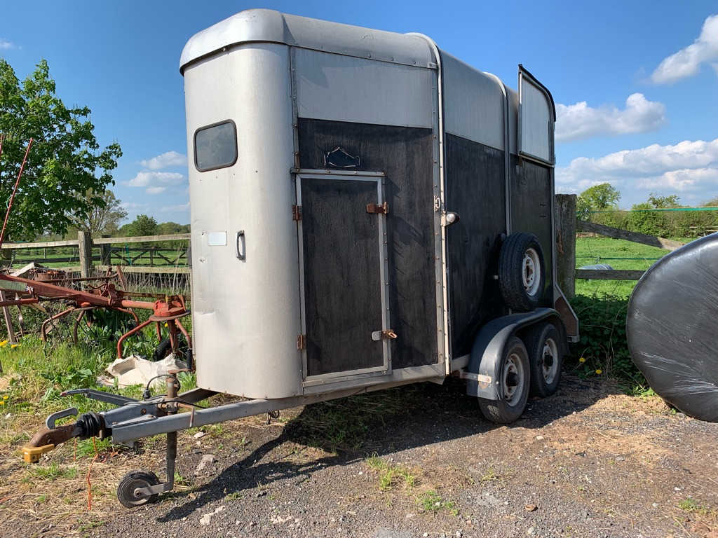 Horse Trailor For Sale