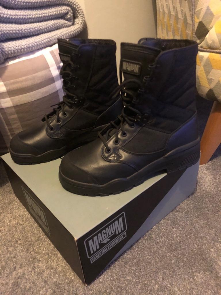 Magnum steel toecap boots size 6