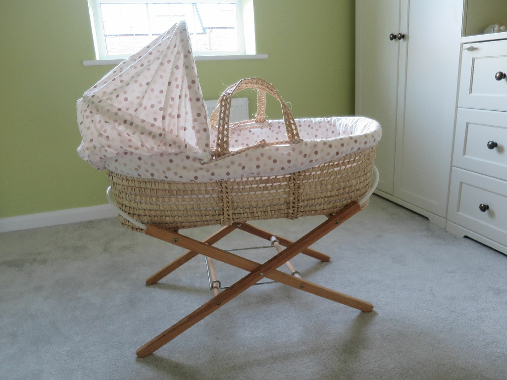 Moses basket, stand & bedding