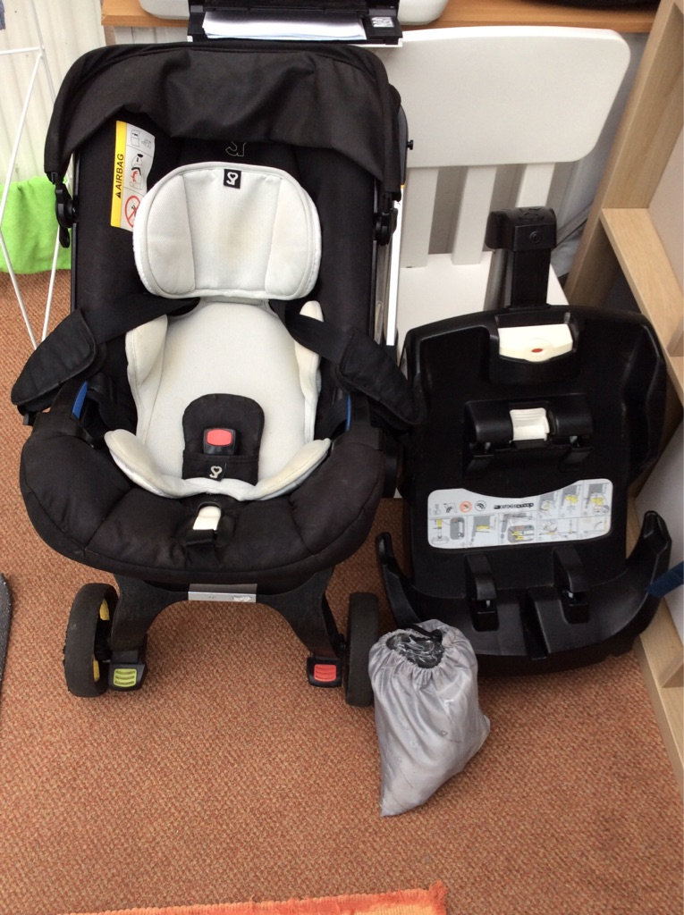 Doona car seat/Stroller with isofix base