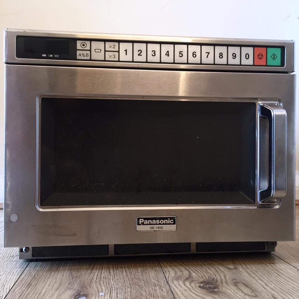 Panasonic Commercial Microwave Oven (NE1856)