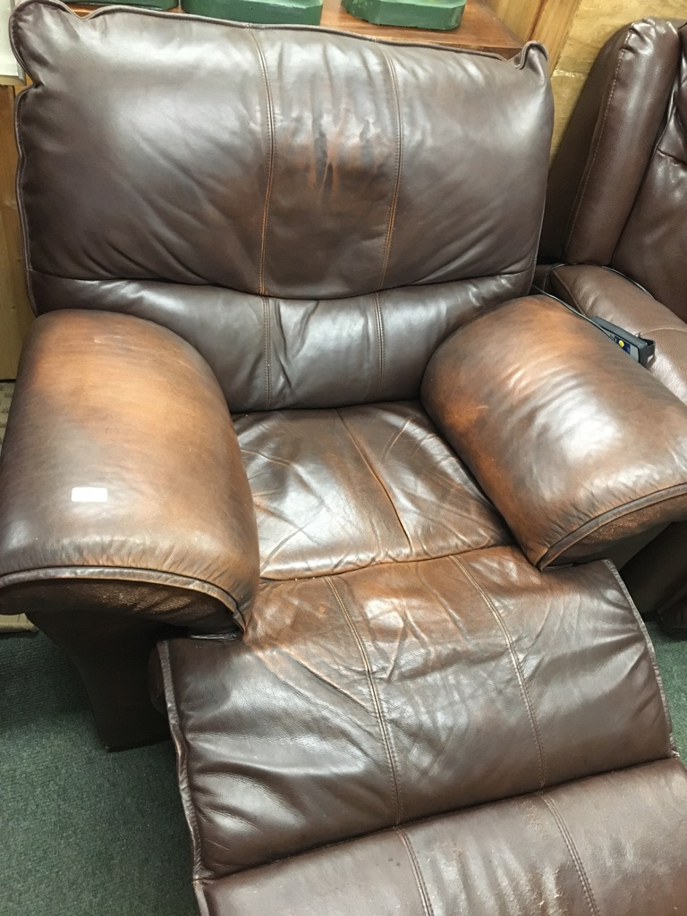 2 matching brown leather recliner armchairs