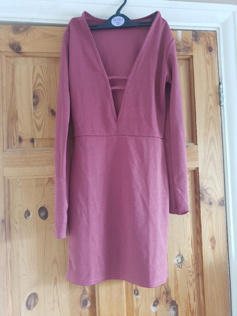 Dark pink/purple fitted dress