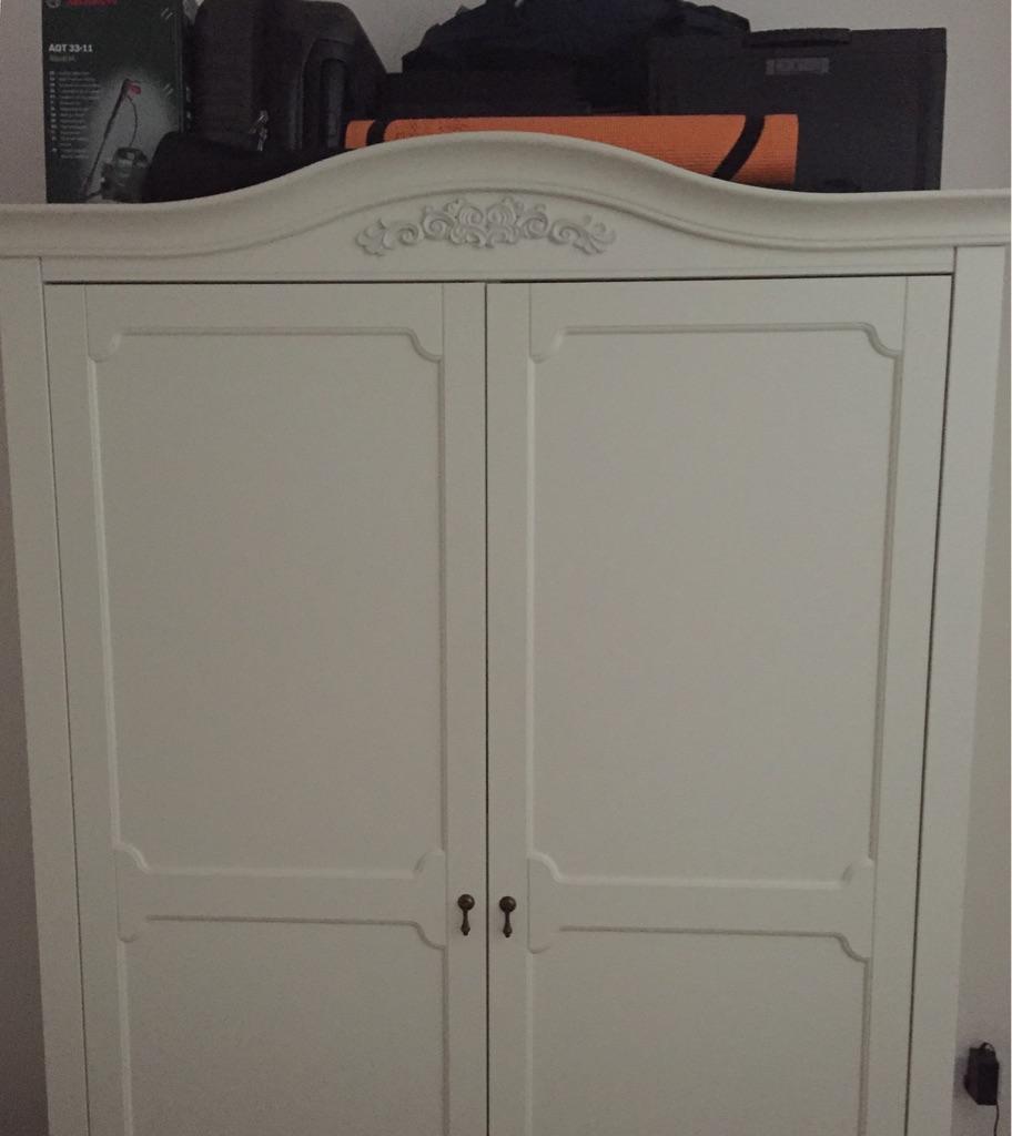Large Wardrobe in Dulwich