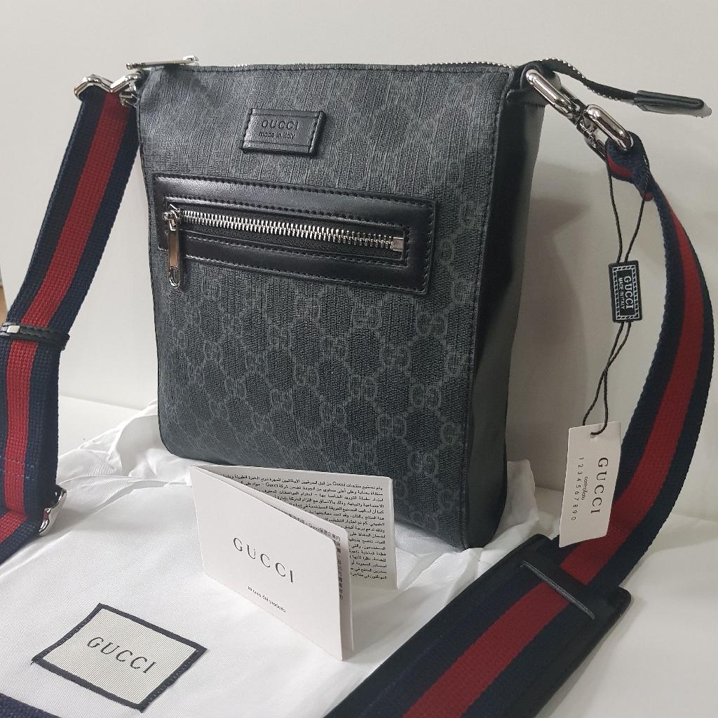 GG Messenger pouch bag