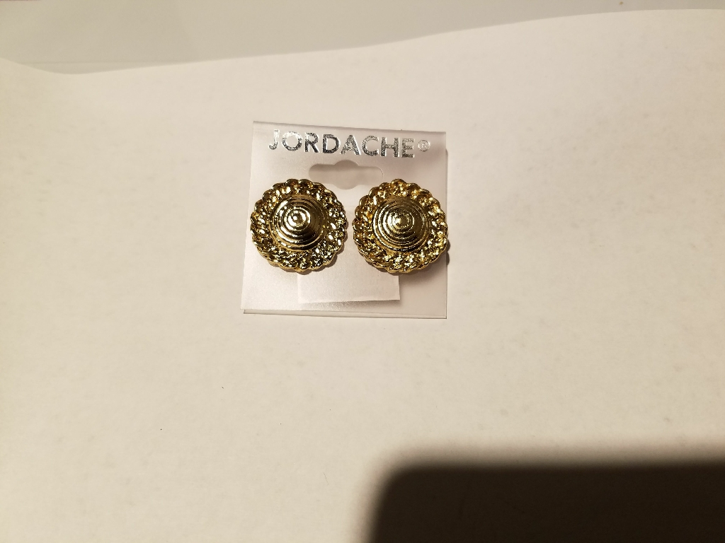 New target bullseye etching dome gold button earrings