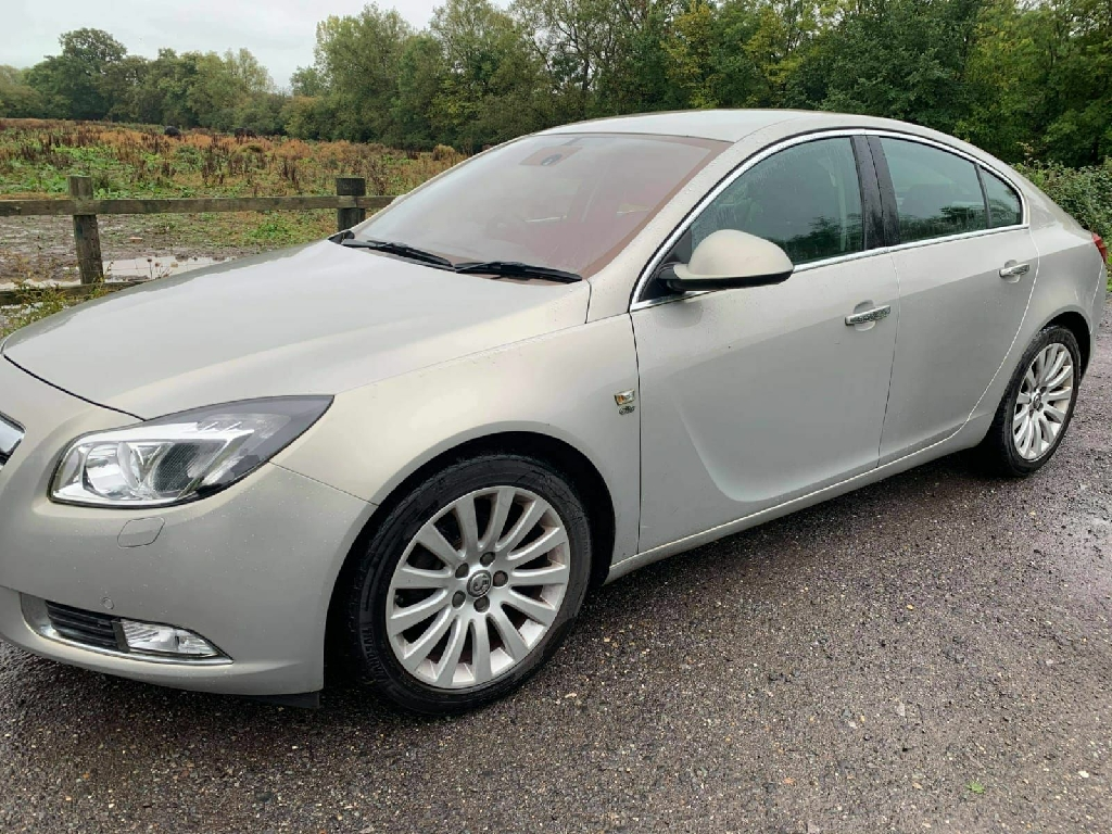 Vauxhall insignia elite