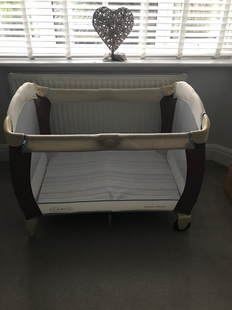 Graco travel cot and changing