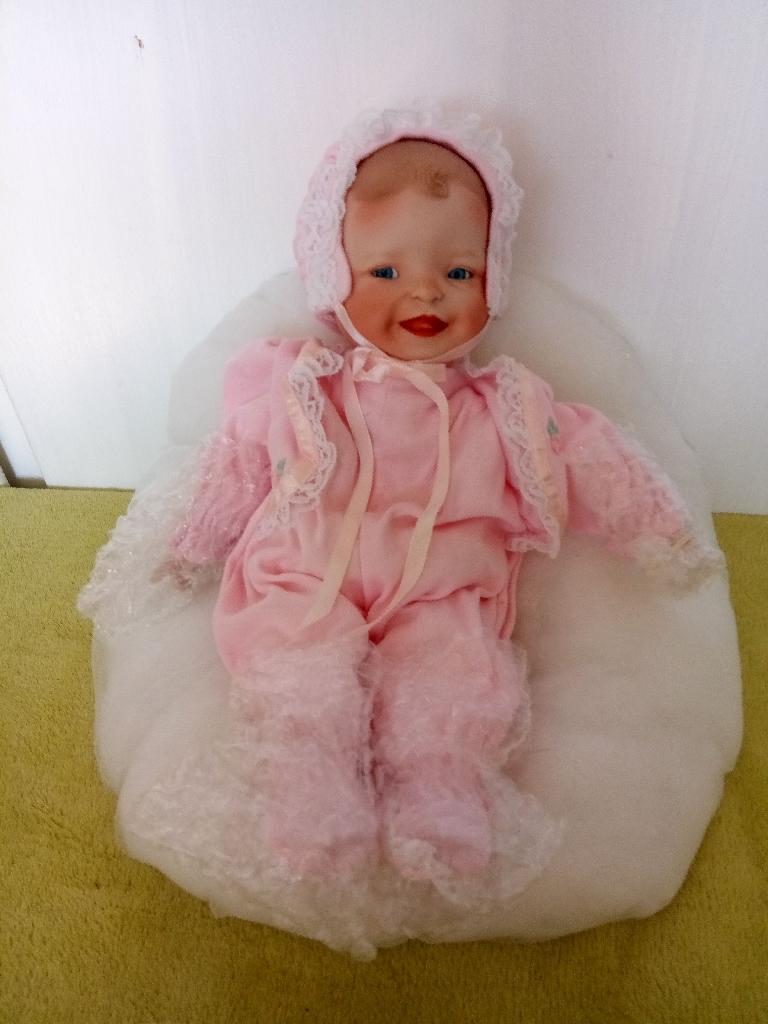 Ashton-Drake Galleries porcelain Megan Rose doll