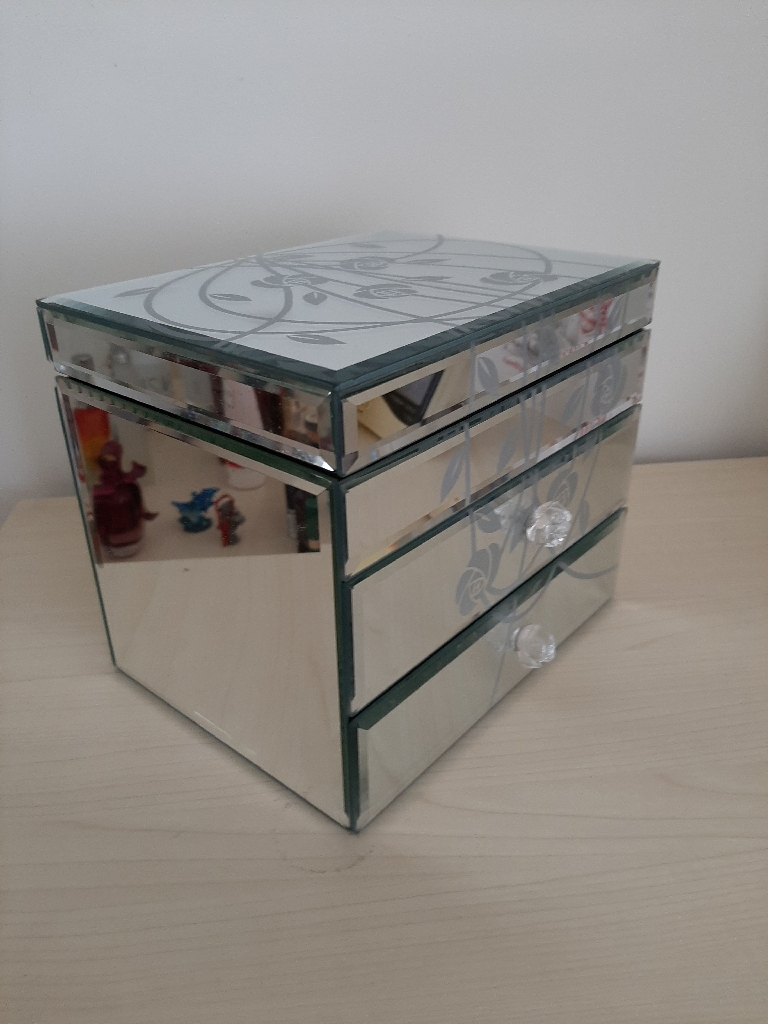 Mirrored Jewellery Box - Good Condition