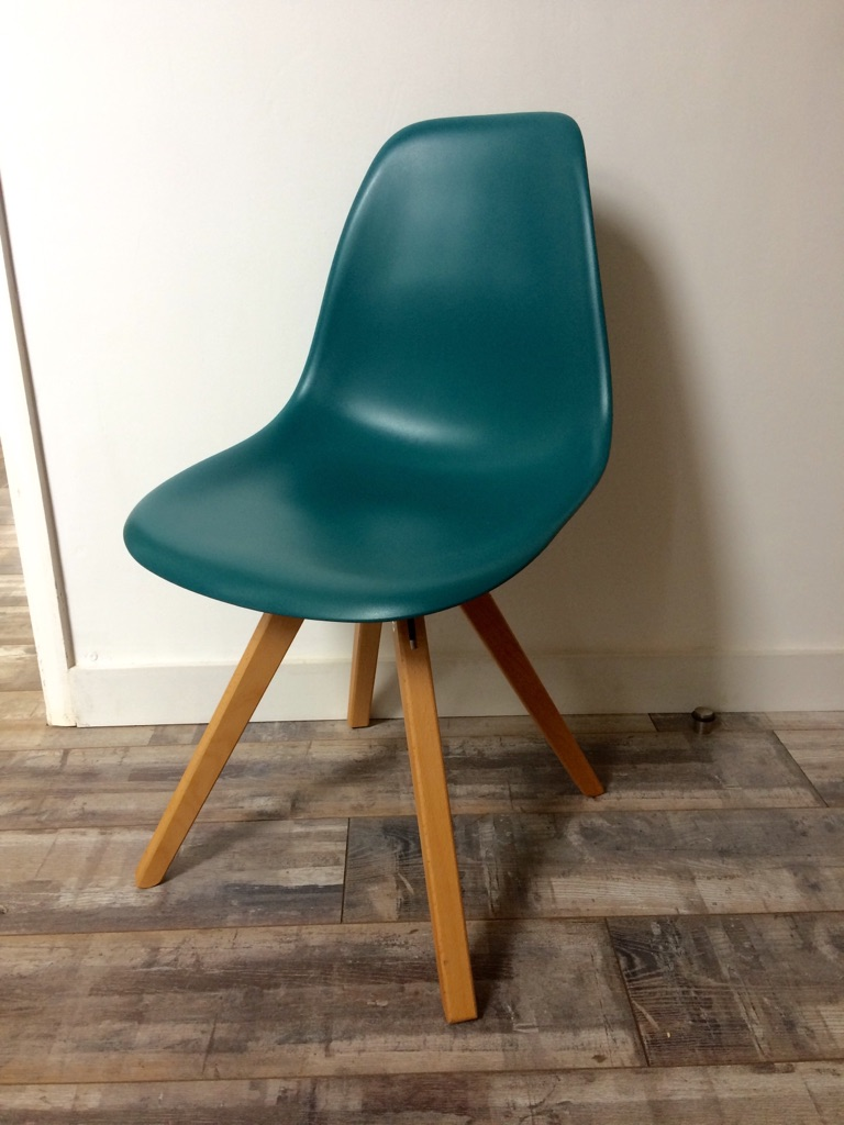 Eames inspired teal chairs x5 NEW