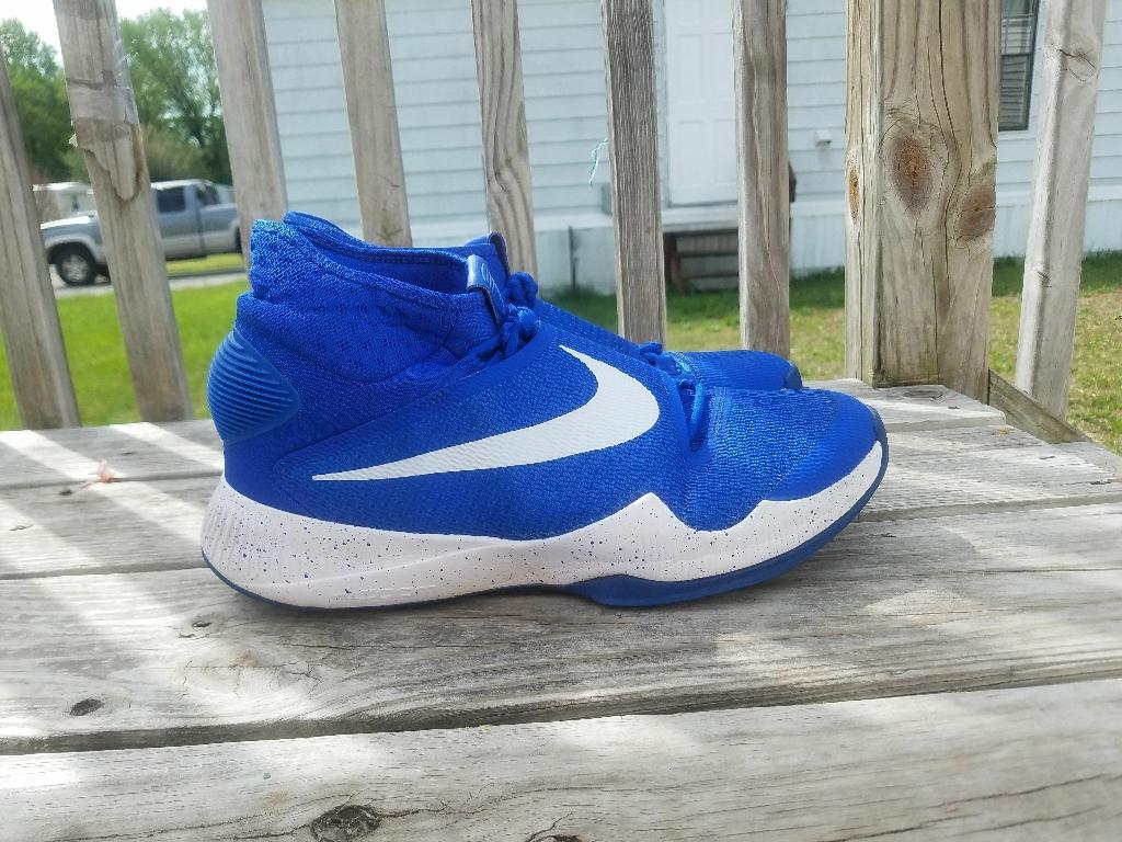 Men's Nike shoes ( size 11 half)