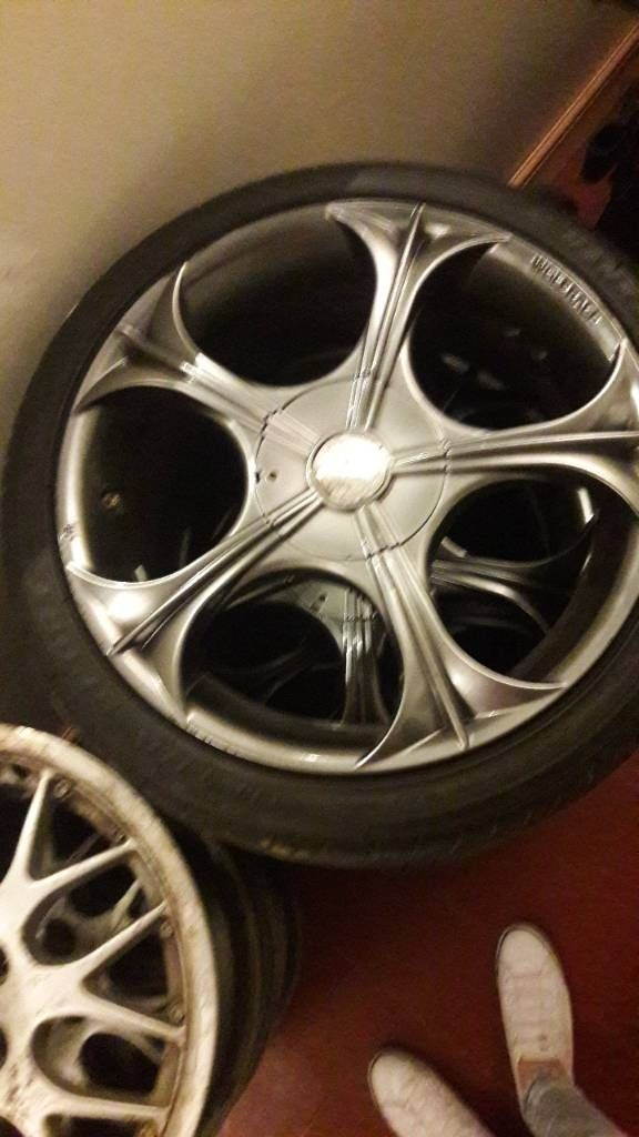17 inch multifit WOLFRACE set of alloy wheels with good tyres