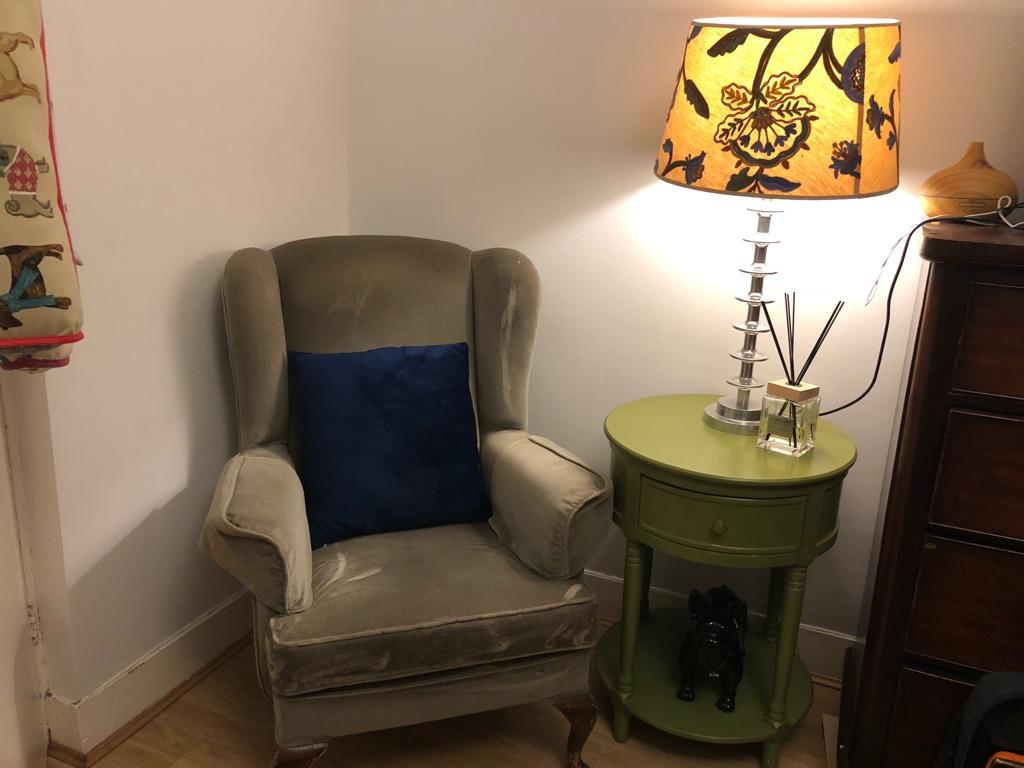 Queen ann leg wingback armchair
