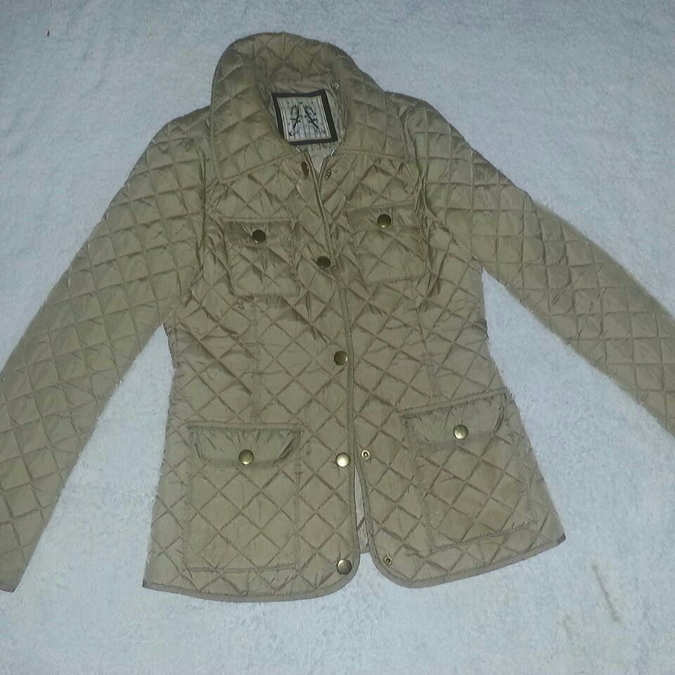 Size 8 lovely thin fitted bubble coat