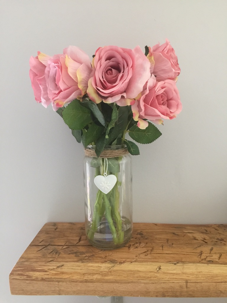 Pink Rose Artificial Flowers in Vase with Water