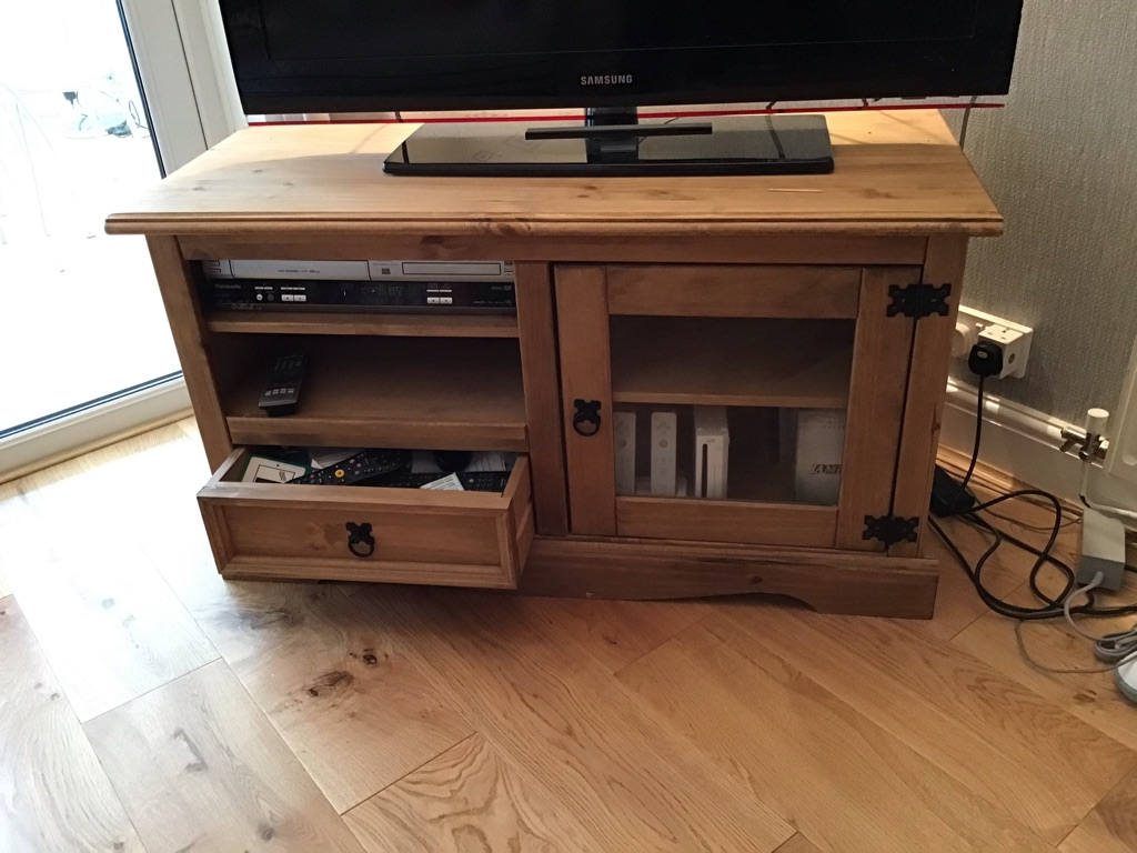 Corona Entertainment Unit
