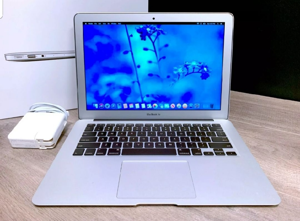 Apple MacBook Air 13 Laptop / Intel Core i5 / SSD / OSX-2018
