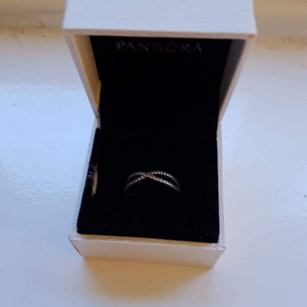 Pandora rings size 54