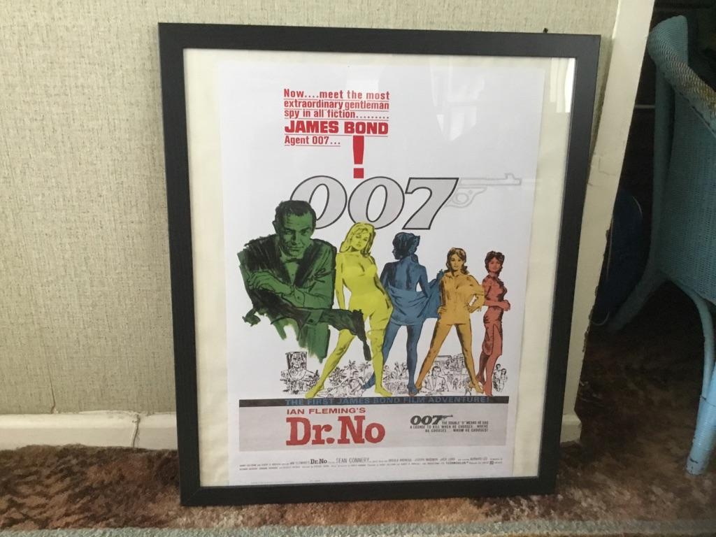 6 orignal Agent 007 James Bond posters framed