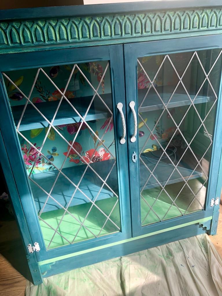 Cabinet / bookcase