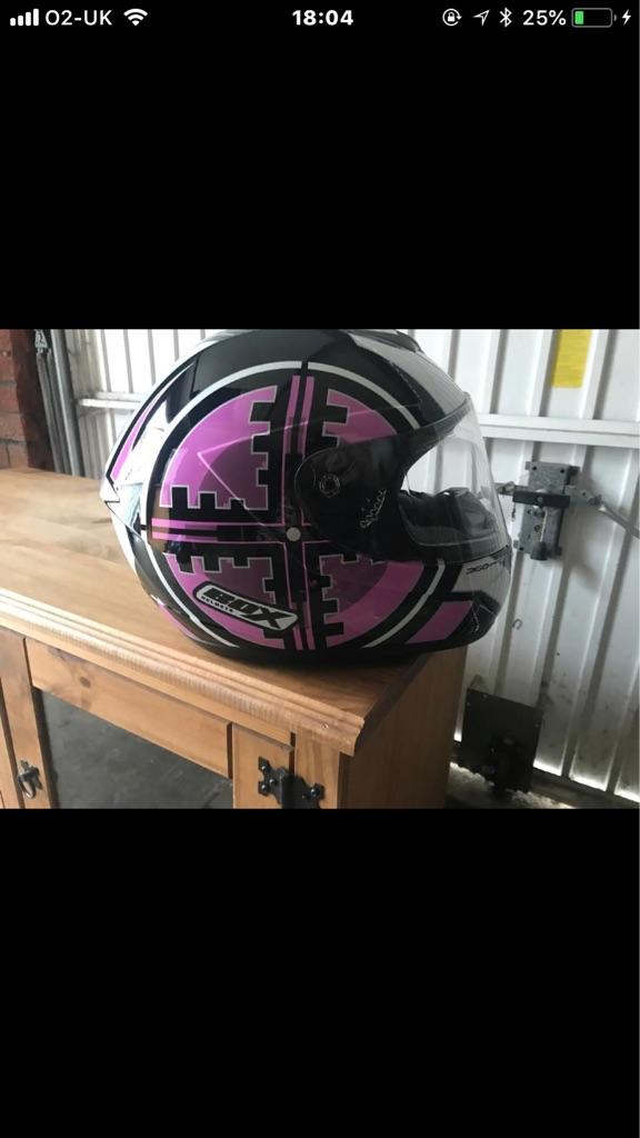 Box helmet in pink