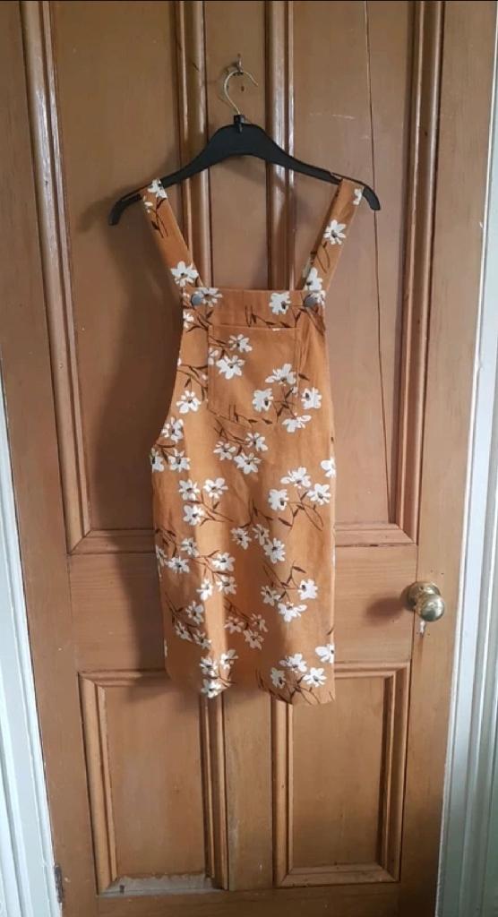 Corduroy flower dress
