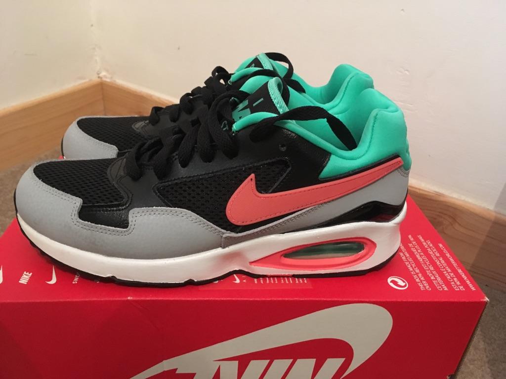 Nike Air Max ST 5.5